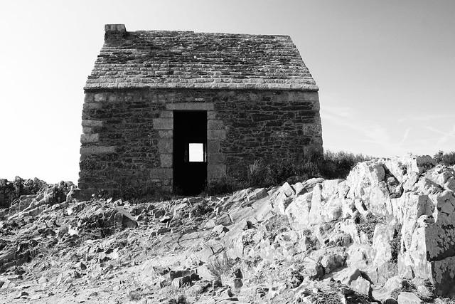 La cabane au bord de la falaise