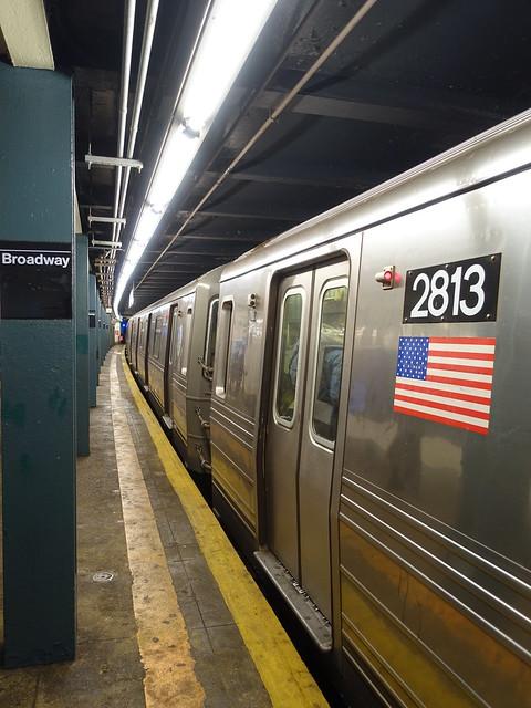 201910088 New York City subway station 'Broadway'