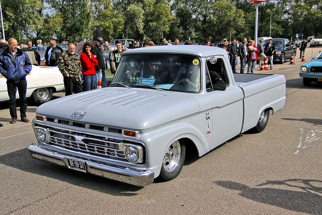 Ford F-100 Pick-Up Truck Custom 'Here comes trouble' 1966 (6486)