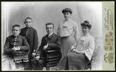 Archiv U338 Familienmitglieder (front), Odessa, 1904