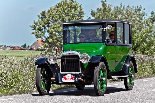 Oakland Touring Sedan 1918 (5250)