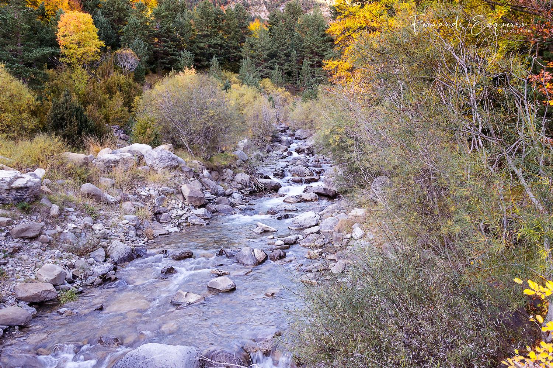 Entorno del puente de Abi en el rio Estarrón (Valle de Aisa)