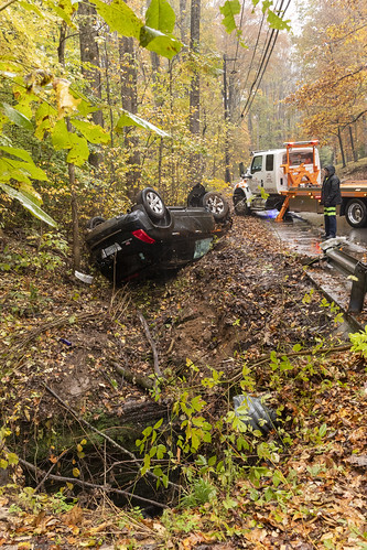 Car wreck, Capshaw Cave entrance, Putnam County, Tennessee 4