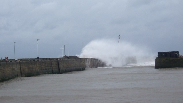 THE HARBOUR PIER IS CLOSED DUE TO HEAVY SEAS.