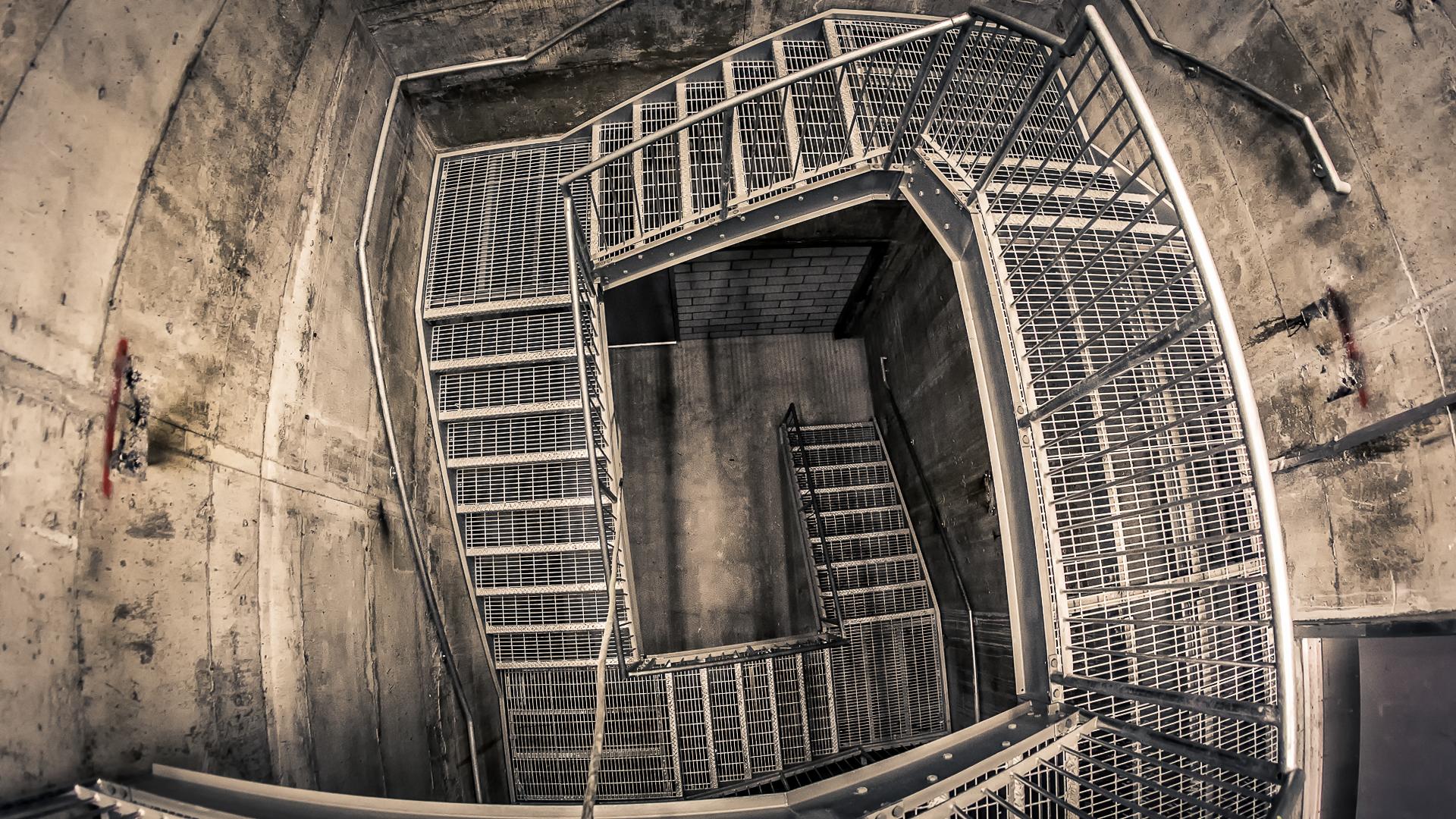 Cage d'escalier lugubre