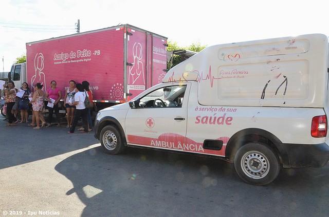 Caminhão itinerante 'Amigos do Peito' realiza mamografias em Pires Ferreira.