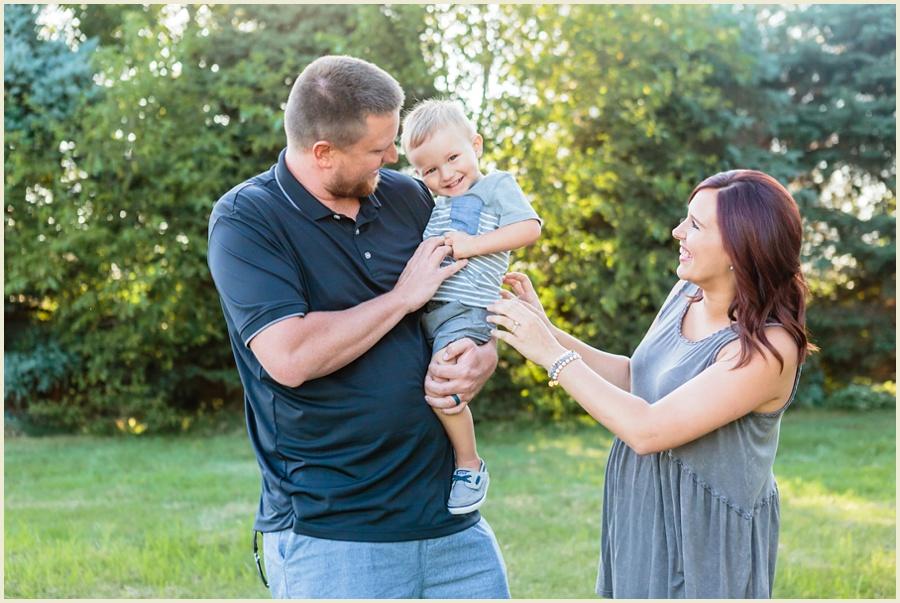clevelandohiomaternityphotographer-clevelandfamilyphotographer-iowafamilyphotographer-iowamaternityphotographer-jenmadiganphotography01