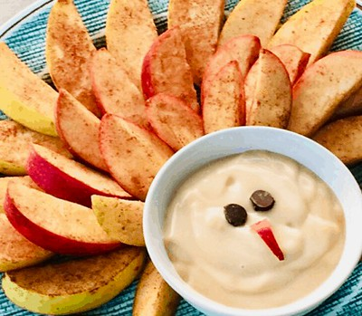 Cinnamon-Apples-and-Dip-thanksgiving snack
