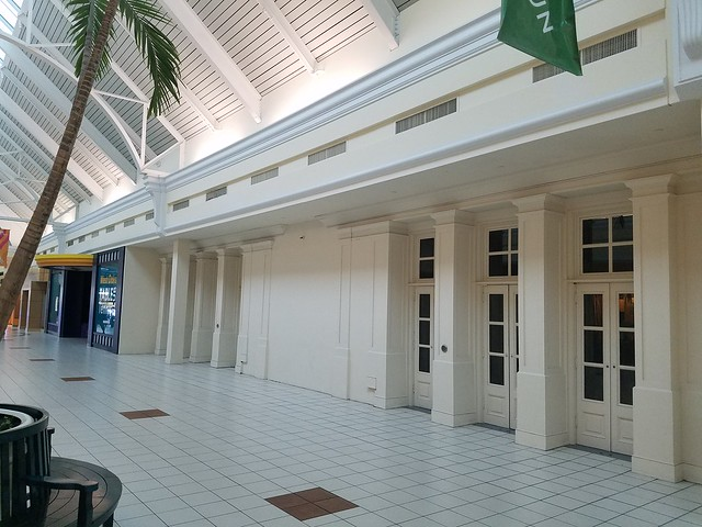 West Oaks Mall (Ocoee, FL)