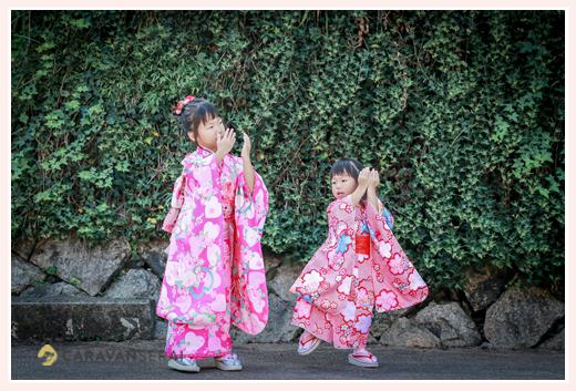 七五三 歌「パプリカ」に合わせてダンスする姉妹