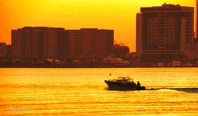 Sailing before sunrise ... ابحــار قبيل الشروق
