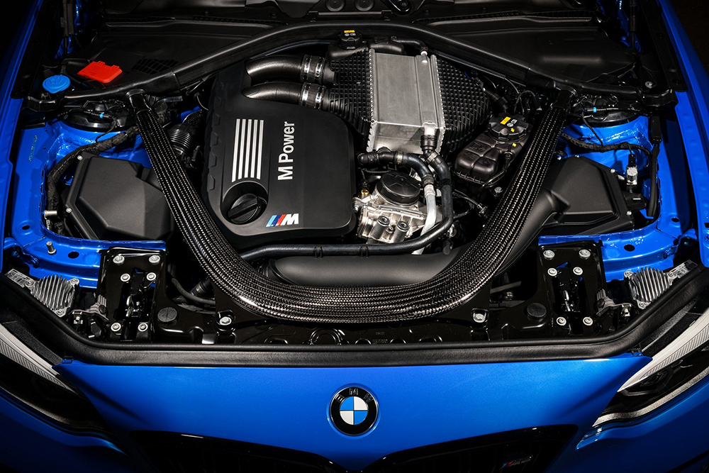 2020-BMW-M2-CS-63
