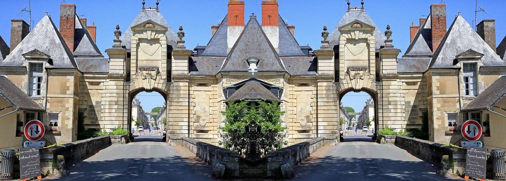 Dédoublement des remparts de Richelieu, Indre-et-Loire, France