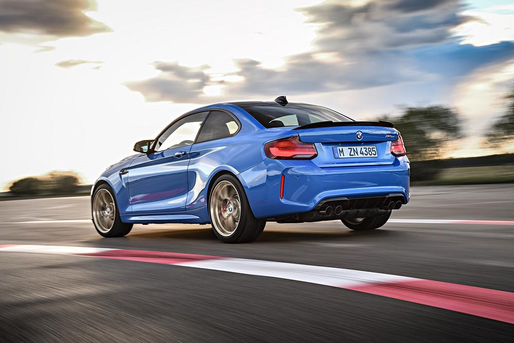 2020-BMW-M2-CS-32