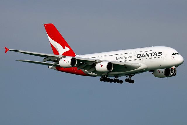 VH-EQB Airbus A380-842 QFA  SIN