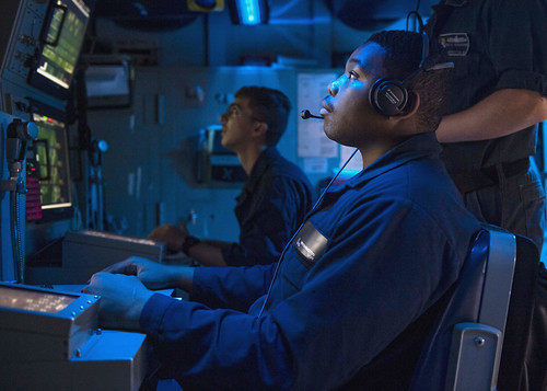 USS Normandy (CG 60) conducts an anti-submarine warfare exercise. | by Official U.S. Navy Imagery
