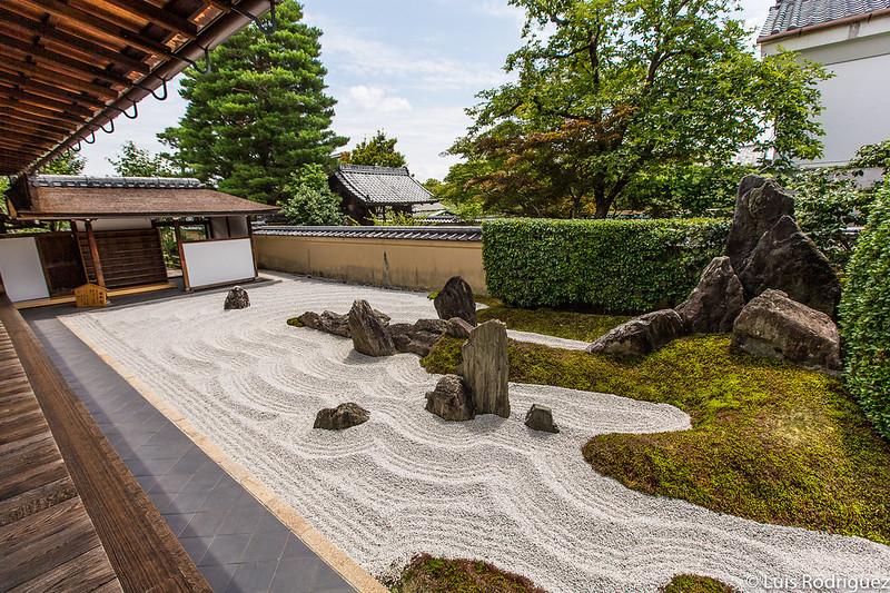 Jardín zen en el complejo del templo Daitokuji