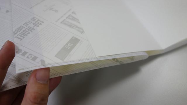 書衣是半透明的,那種薄透隱約的感覺好美啊@Take a Note 2020手帳