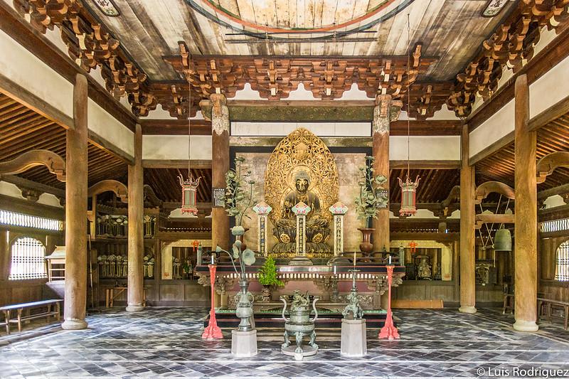 Interior del salón Butsuden