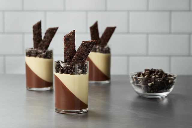 Chocolate_Passion_Fruit_Shooter_Oreo_426_NOCRUMB