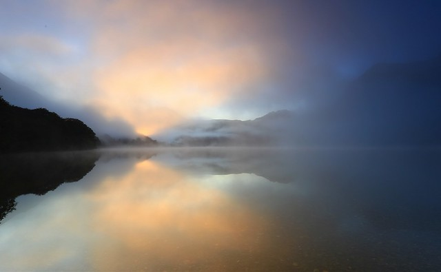 Mist and colour at dawn, Buttermere
