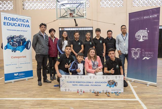 6to concurso de Robótica en Quito - Escuelas que me inspiran