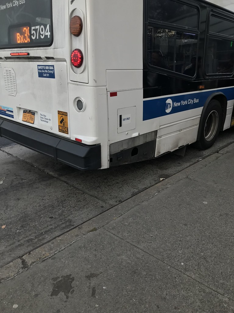 2011 Nova Bus LFSA 5794 - Bx39 To Wakefield-241 St