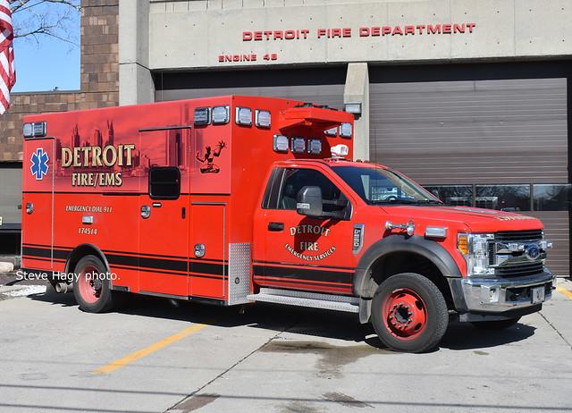 Detroit MI   Medic 11