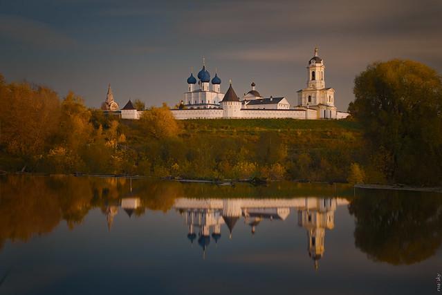 RUS73115 - Fall. Monastery