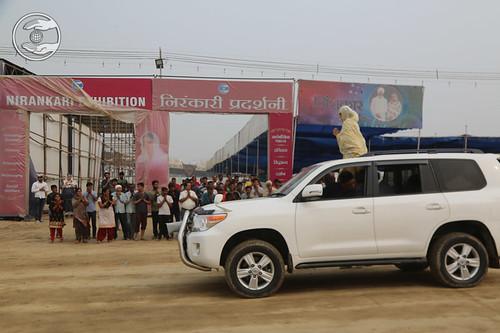 Satguru Mata Ji blessing devotees at Nirankari Exhibition