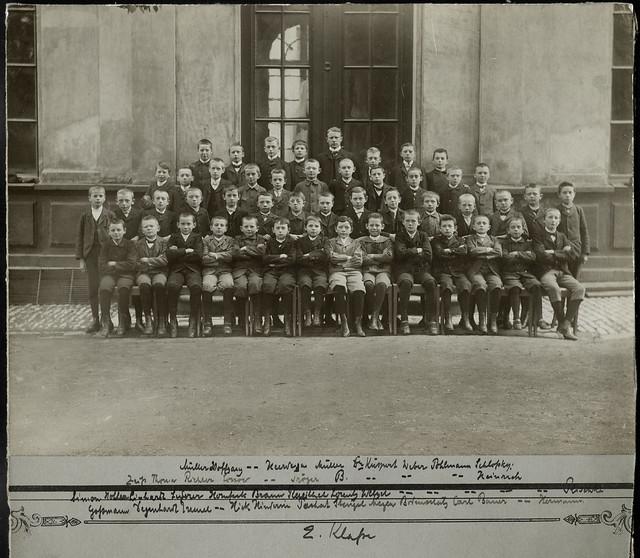 Archiv U367 Lehrer mit 2. Klasse, 1920er