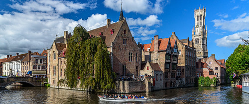 Belfry of Bruges (or Belfort van Brugge) in the distance and the bend in the Dijver | by Brett of Binnshire