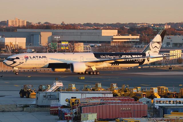 PT-MUA | Boeing 777-32WER | LATAM Airlines Brasil (special