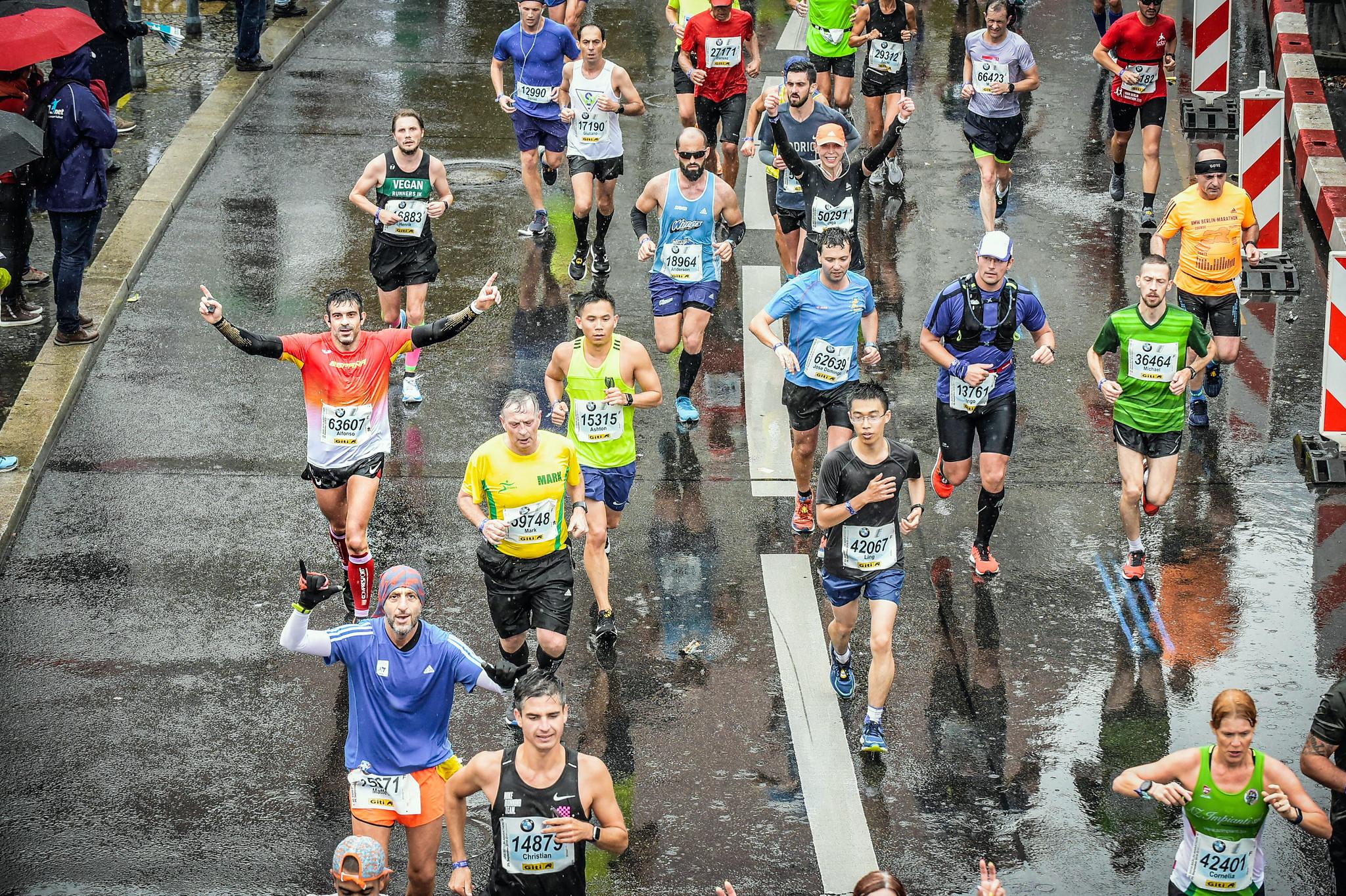 Correr el Maratón de Berlín - Berlin Marathon fotos photos - thewotme maratón de berlín - 49038569363 0dfe3fd629 k - Correr el Maratón de Berlín: Análisis, recorrido, entrenamiento e inscripciones