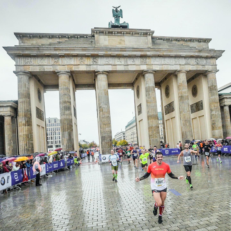 Correr el Maratón de Berlín - Berlin Marathon fotos photos - thewotme maratón de berlín - 49038571798 90a4398b73 h - Correr el Maratón de Berlín: Análisis, recorrido, entrenamiento e inscripciones