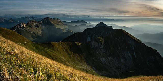 Légère brume sur les préalpes fribourgoises (Switzerland)