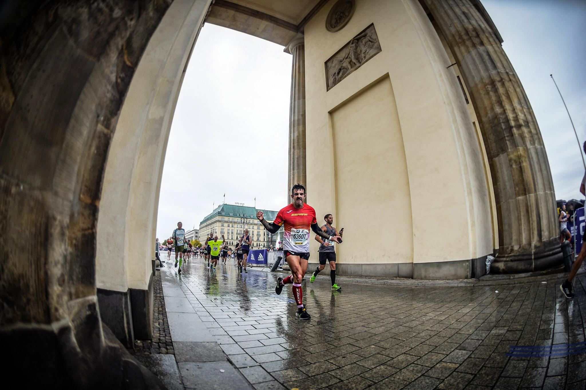 Correr el Maratón de Berlín - Berlin Marathon fotos photos - thewotme maratón de berlín - 49039071931 f028036bcb k - Correr el Maratón de Berlín: Análisis, recorrido, entrenamiento e inscripciones