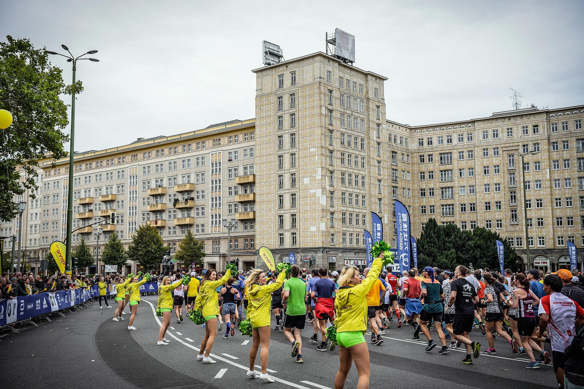 Correr el Maratón de Berlín - Berlin Marathon fotos photos - thewotme maratón de berlín - 49039073886 72d5956d32 k - Correr el Maratón de Berlín: Análisis, recorrido, entrenamiento e inscripciones