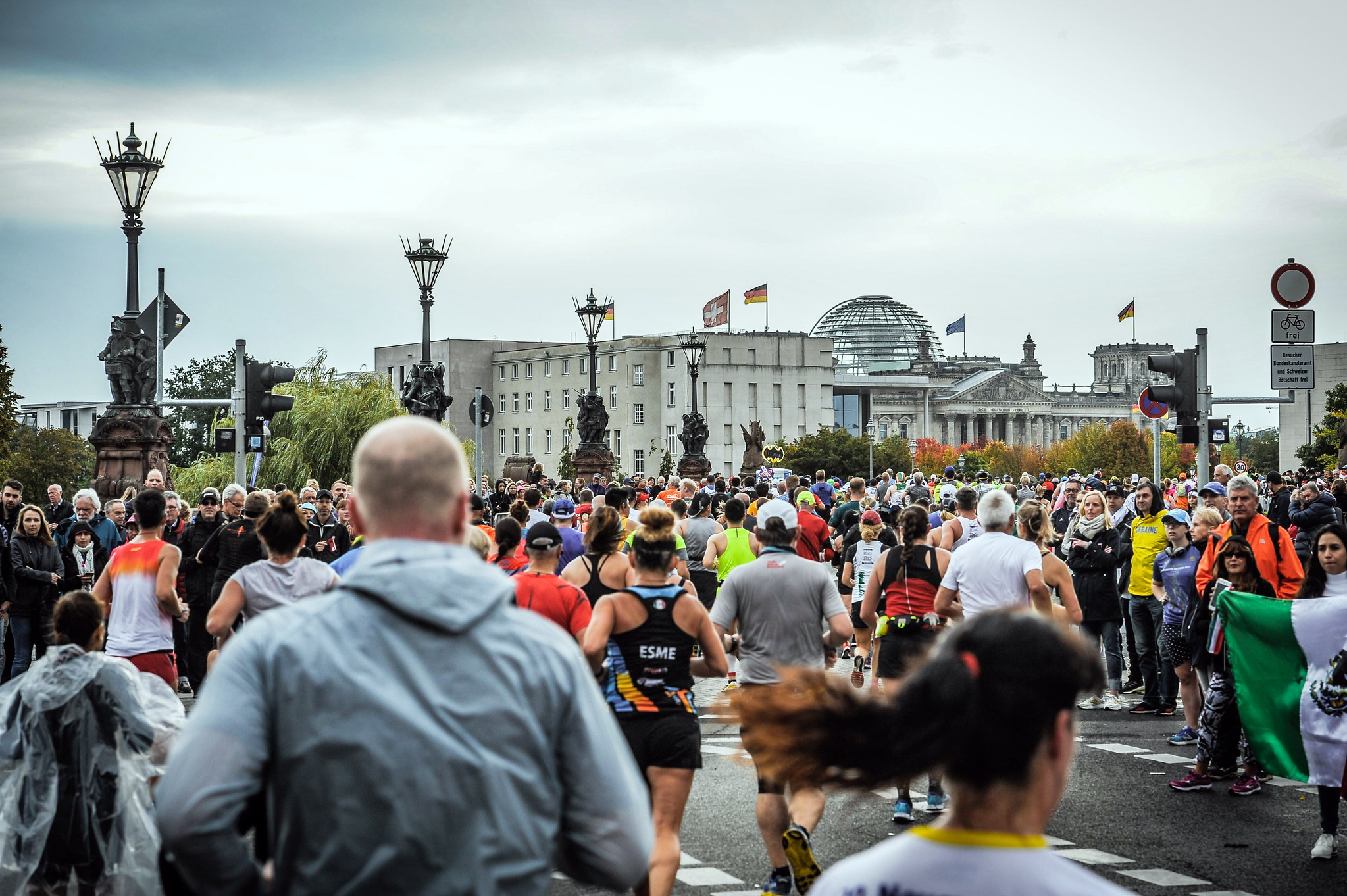 Correr el Maratón de Berlín - Berlin Marathon fotos photos - thewotme maratón de berlín - 49039073986 d7527d01f3 k - Correr el Maratón de Berlín: Análisis, recorrido, entrenamiento e inscripciones