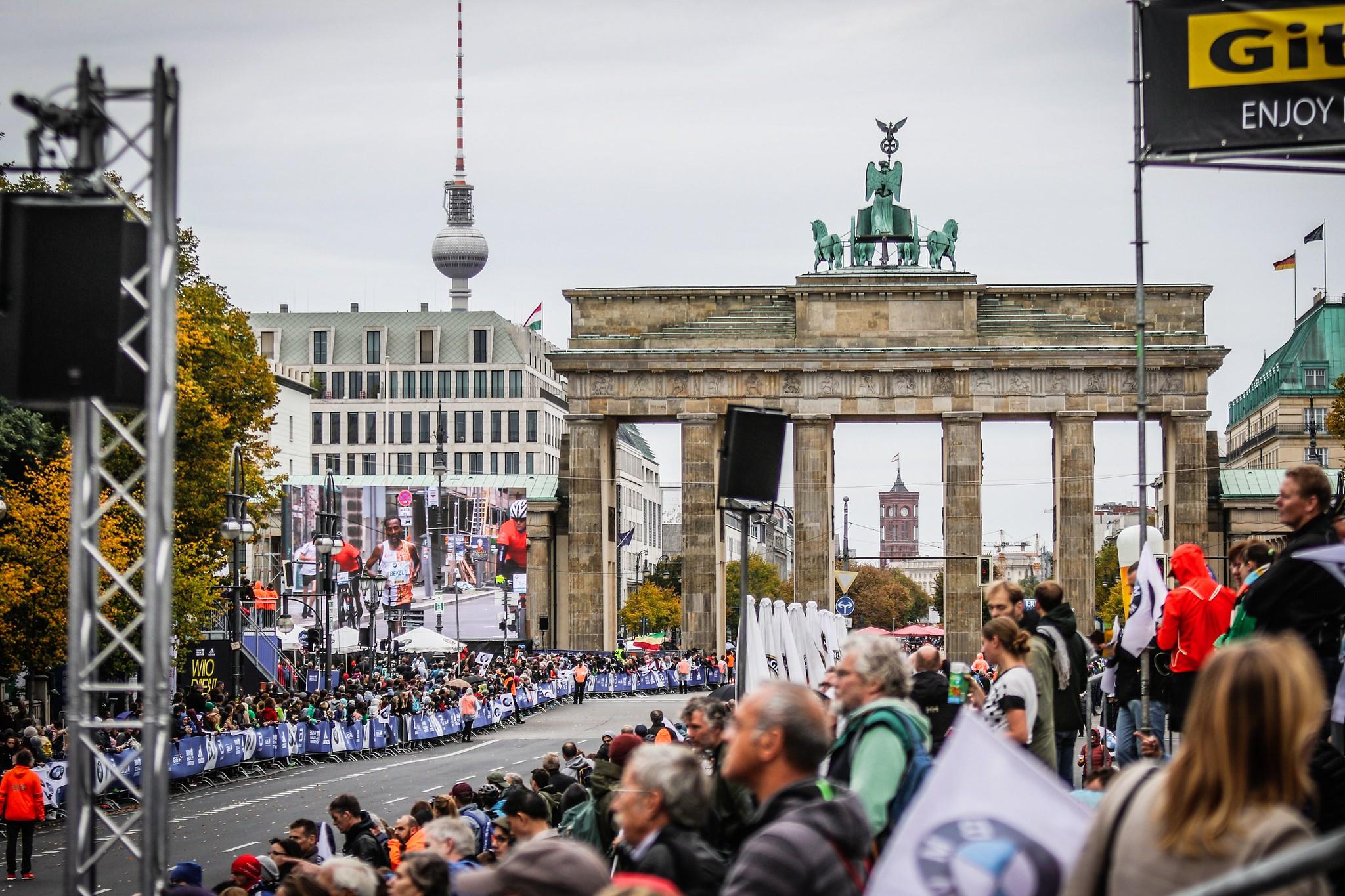 Correr el Maratón de Berlín - Berlin Marathon fotos photos - thewotme maratón de berlín - 49039283467 b70affa7c5 k - Correr el Maratón de Berlín: Análisis, recorrido, entrenamiento e inscripciones