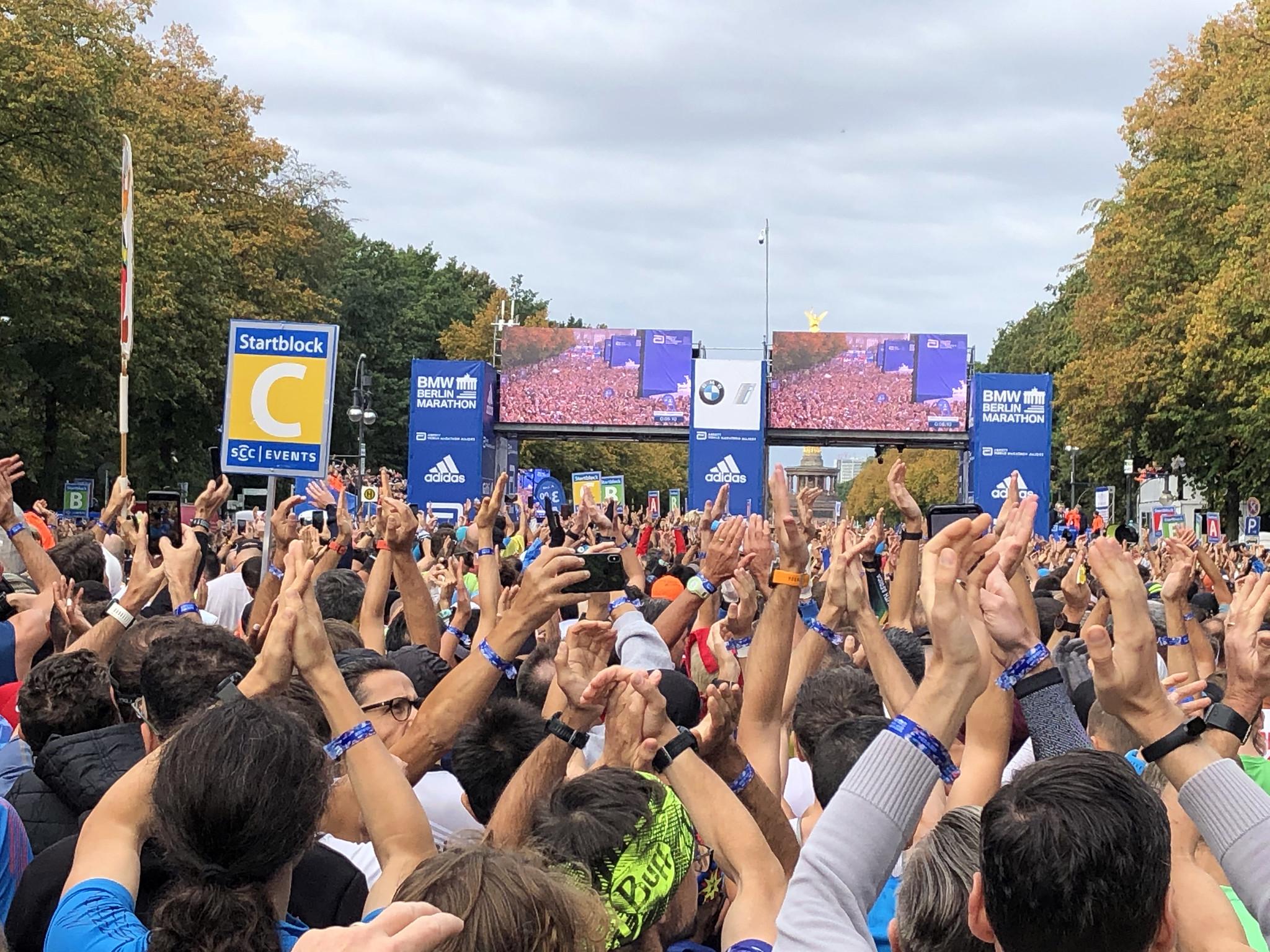 Correr el Maratón de Berlín - Berlin Marathon fotos photos - thewotme maratón de berlín - 49039283962 6b71cec612 k - Correr el Maratón de Berlín: Análisis, recorrido, entrenamiento e inscripciones