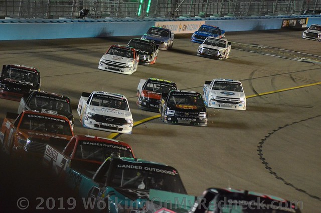 Rush Hour at ISM Raceway
