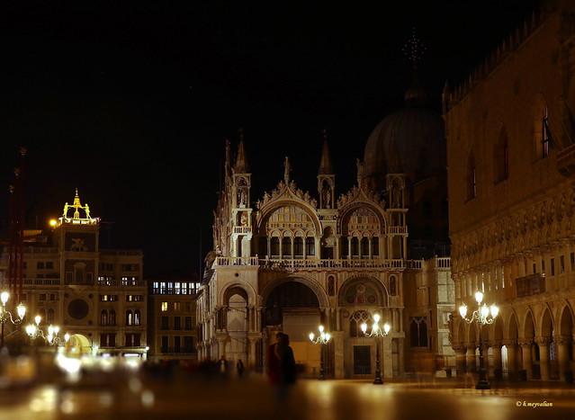 Venezia la bella di notte e dell'incanto...
