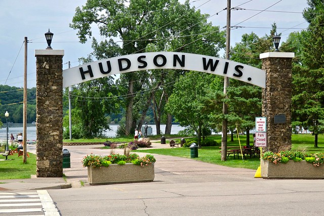 Arch Sign, Hudson, WI