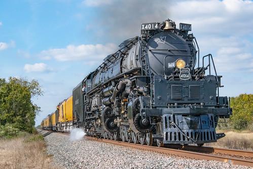 up bigboy steam engine 4014 4884 passenger train unionpacific tx texas eaglelake smoke