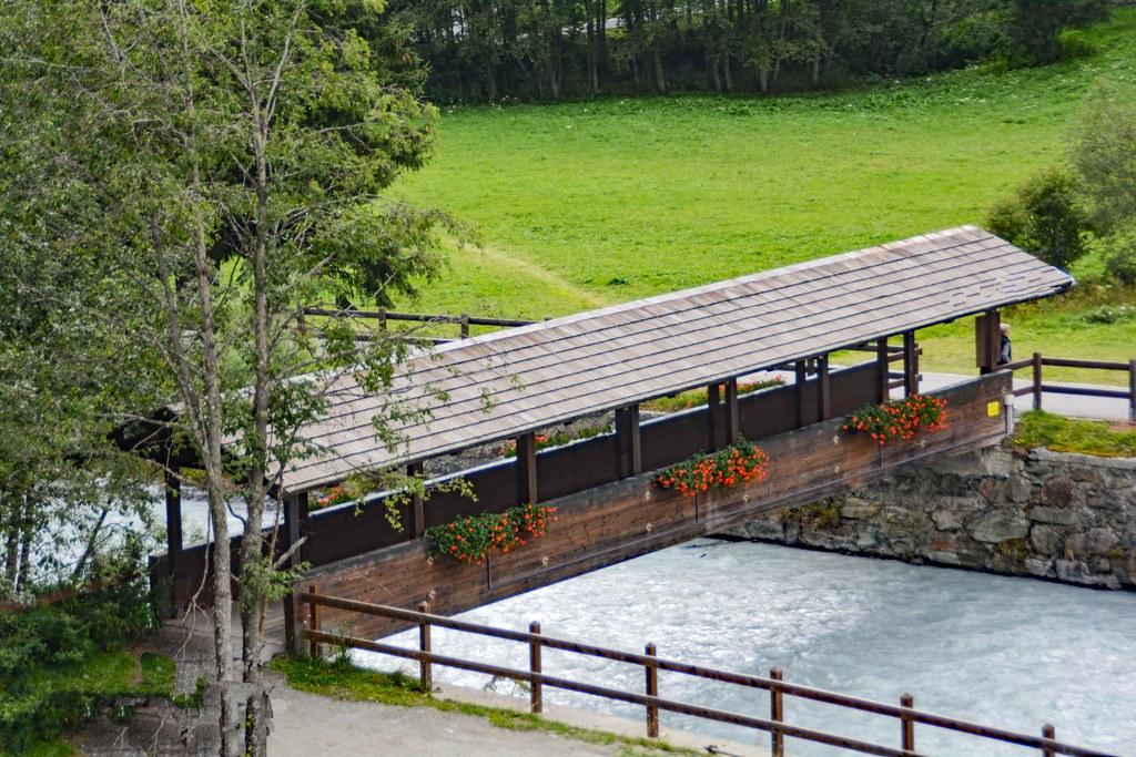 Ponte coperto sull'Evançon
