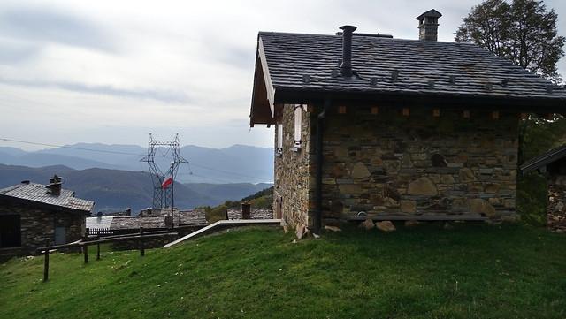 Schöner Bergweiler Monterecchio