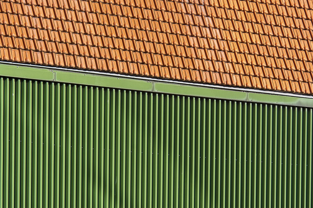 Green lines and orange rooftiles