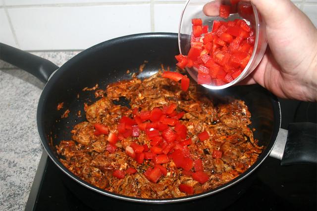 03 - Gyros & Paprika anbraten / Fry gyros & bell pepper
