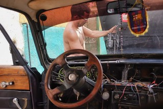 """""""There's no Cuban who is not even a good mechanic in Cuba""""  Wilfredo in Havana"""